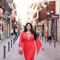 Bushra Azhar - Personal Branding Portrait by Monika Broz
